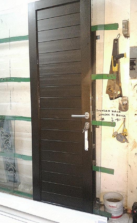 Pintu Panel Aluminium